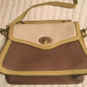 Great leather handbag, yellow and tan